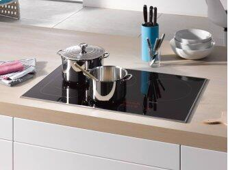 KM 6370 - Induction Cooktop with PowerFlex cooking area for maximum versatility and performance.